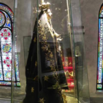 Madonna addolorata Davanti a questa statua fu consacrata la neonata Costanza